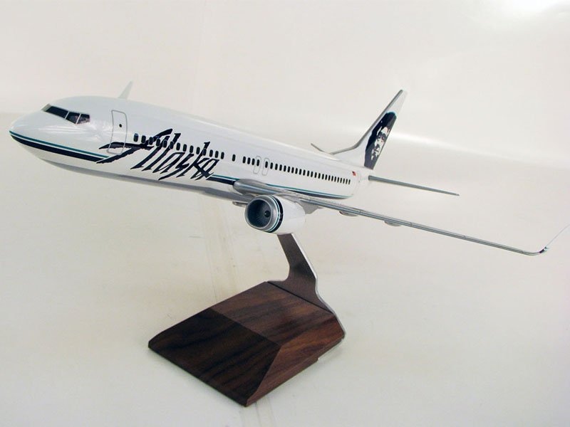 Alaska Airlines desktop model