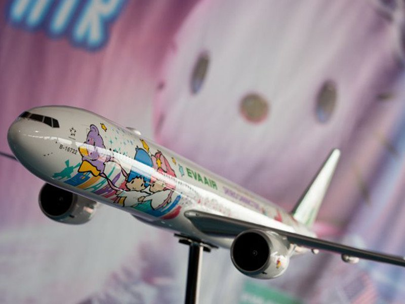 1/20 scale Boeing 777-300ER EVA Air Hello Kitty Jet at special event celebrating its inaugural flight. // Photo courtesy of USA Today/David Parker Brown