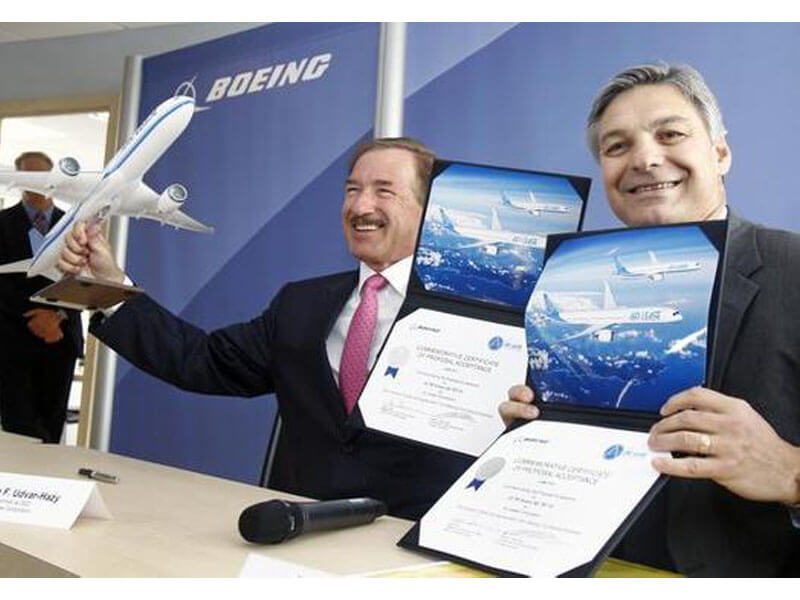 Air Lease Corp. CEO Steven Udvar-Hazy and Boeing CEO Ray Conner