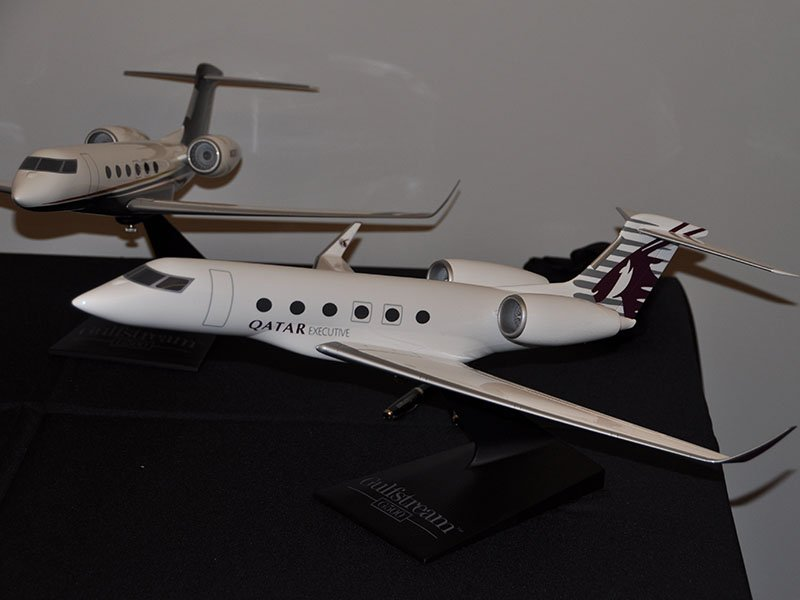 1/48 scale G500 models in launch customers Flexjet and Qatar liveries. / Photo courtesy of InfoAeroQuebec