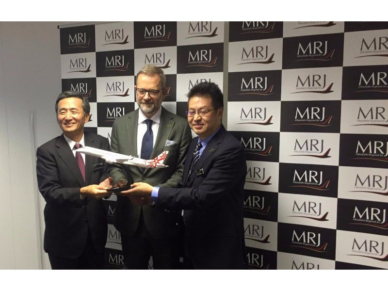 Hiromichi Morimoto MRJ CEO announces LOI from Rockton for 10 MRJ aircraft at Farnborough 2016. / Photo courtesy of Pratt and Whitney