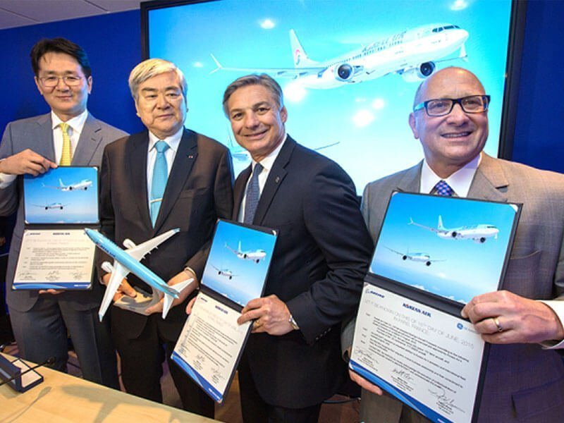 Korean Air and Boeing signed letters of intent for up to 50 737 MAX and two additional 777-300ER aircraft. // Photo courtesy of Korean Air