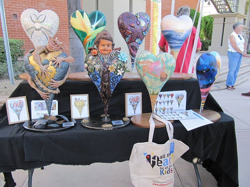 Heart sculptures on display at the Fullerton Thursday Market. / Photo courtesy of All the Arts for All the Kids Foundation