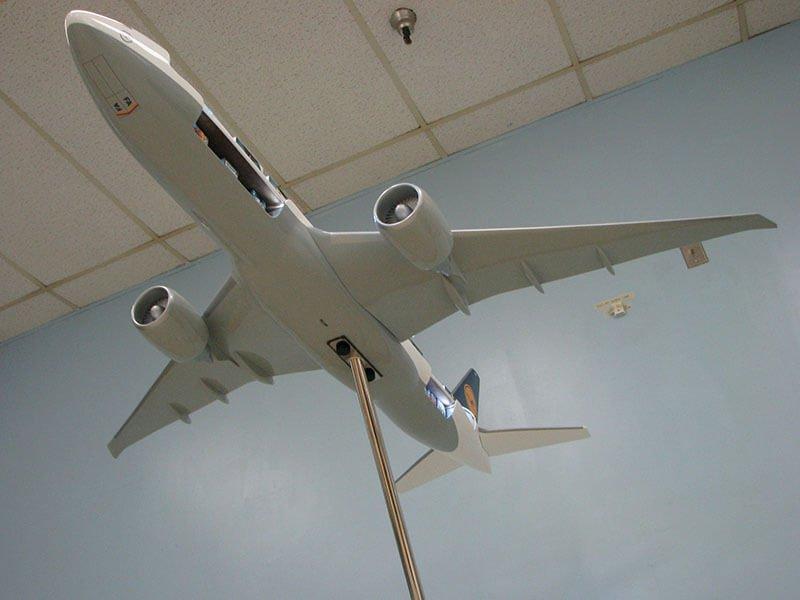 20 777 Lufthansa Back