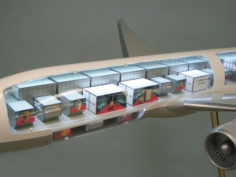 20 777 Lufthansa Interior