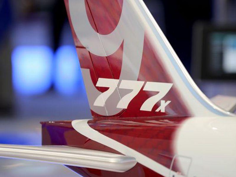 777x_tail_r-compressor