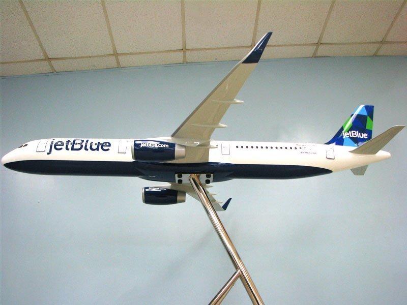 JetBlue Mint 06