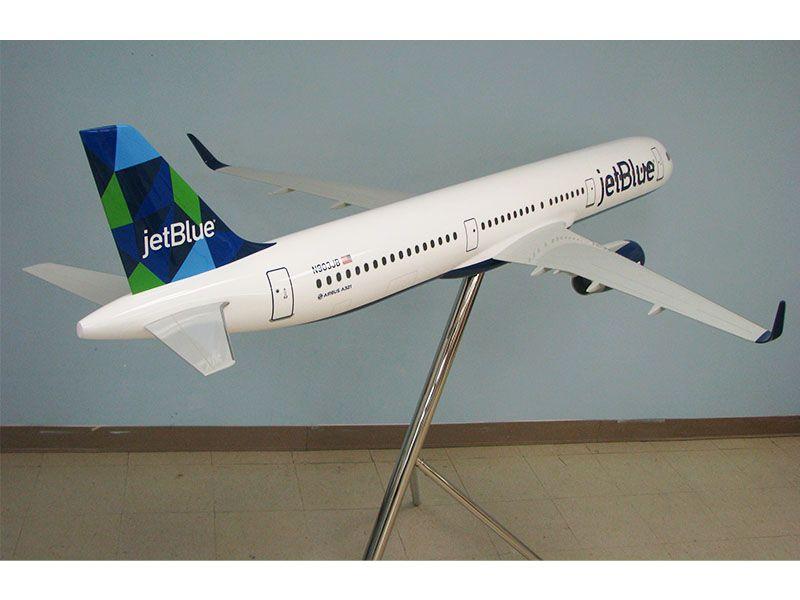 JetBlue Mint 08