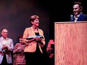 Vicki Shindele receives PacMin Muckenthaler Award