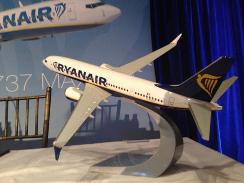 "1/100 scale Ryanair 737 MAX 200 model (15.6"" or 39.5cm in length) highlights changes to the aircraft. / Photo courtesy of FlightGlobal"