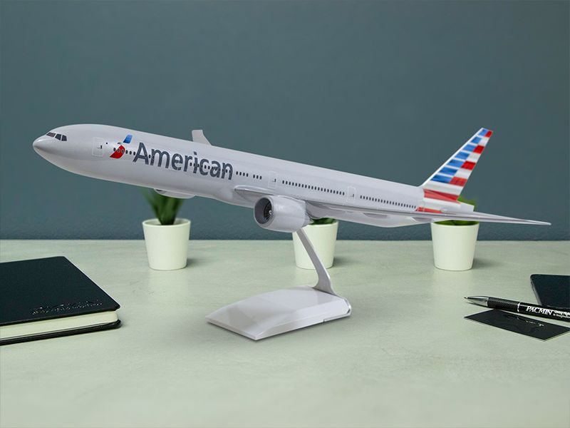 1/100 scale American Airlines 777 desktop model